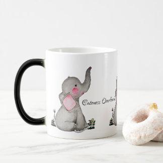 Caneca Mágica O elefante bonito do bebê da aguarela com cora &