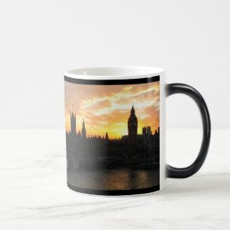 Caneca Mágica Por do sol de Londres