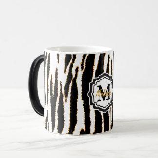 Caneca Mágica Preto do monograma, branco e listras da zebra do