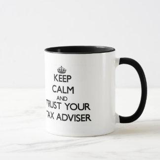 Caneca Mantenha a calma e confie seu conselheiro de