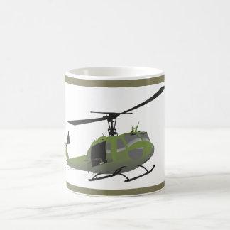 Caneca militar do helicóptero de Huey