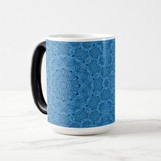 Caneca Morphing do caleidoscópio azul decorativo