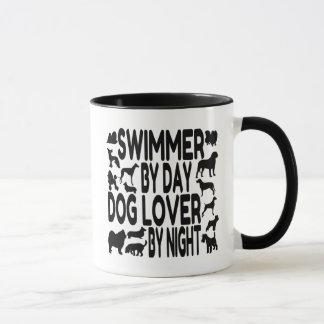 Caneca Nadador do amante do cão