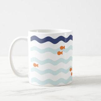 Caneca náutica da onda do teste padrão do peixe