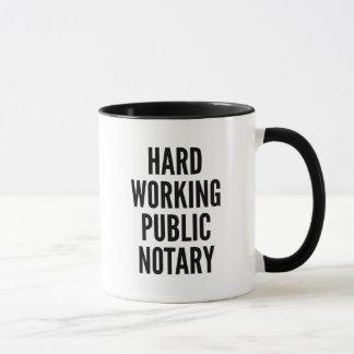 Caneca Notário público de trabalho duro
