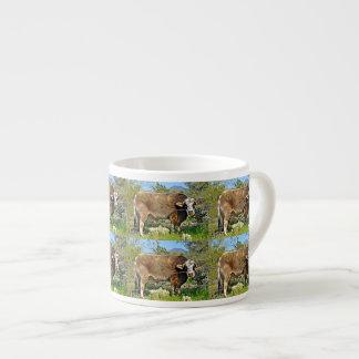 Caneca nova do café da vaca de Brown do rio