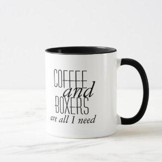 Caneca O café e os pugilistas são tudo que eu preciso a