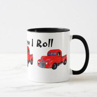 Caneca O caminhão vermelho velho isto é como eu rolo