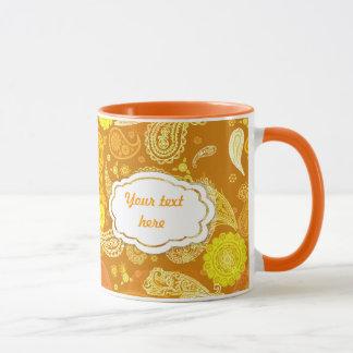 Caneca Paisley ensolarado amarelo alaranjado customizável