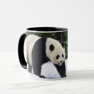 Caneca Pandas gigantes de Smithsonian | na neve