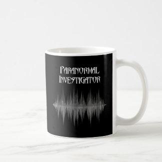Caneca Paranormal de Soundwave do investigador