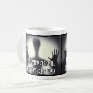 Caneca Paranormal do fantasma do investigador
