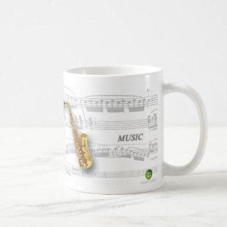 Caneca partitura e saxofone