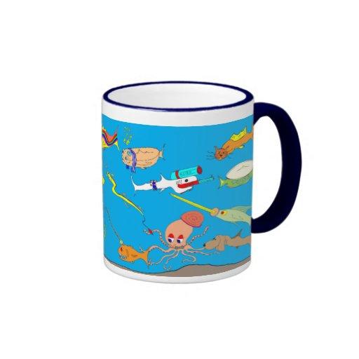 Caneca parva dos desenhos animados dos peixes