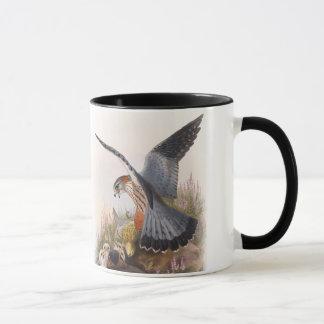 Caneca Pássaros de John Gould do falcão de Merlin de Grâ