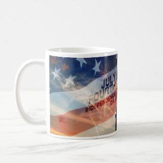 Caneca patriótica dos EUA da liberdade da senhora