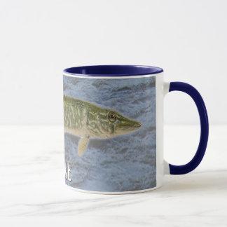 Caneca Peixes de água doce de Pike, com imagem de fundo