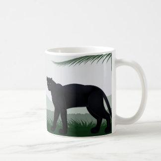 Caneca preta da pantera da selva