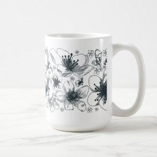Caneca preto e branco delicada da flor