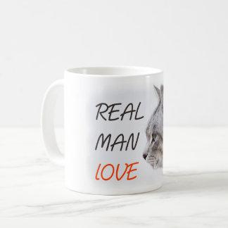 Caneca real dos gatos do amor do homem