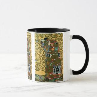 Caneca Realização aka o abraço por Gustavo Klimt