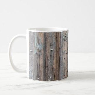 Caneca resistida da madeira