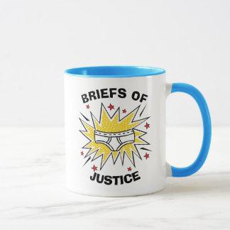 Caneca Resumos do capitão Cuecas   de justiça