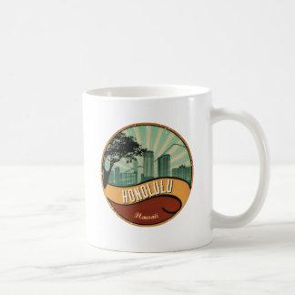 Caneca retro do vintage da skyline da cidade de