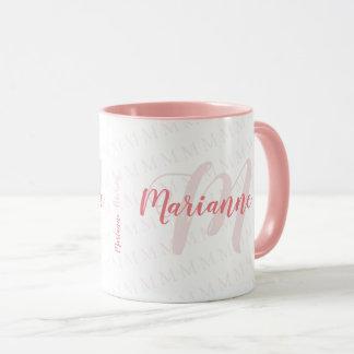 Caneca rosa monogrammed do nome/monograma da escrito à
