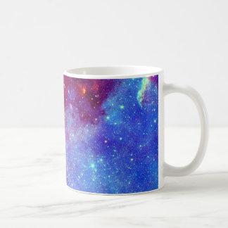 Caneca roxa azul da nebulosa
