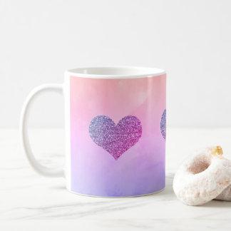 Caneca roxa bonito do chá do café dos corações da
