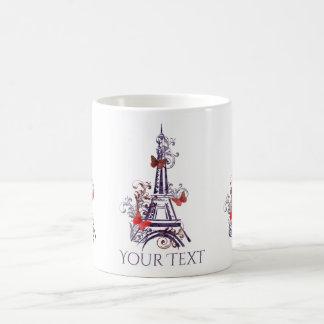 Caneca roxa das borboletas da torre Eiffel