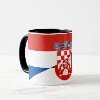 Caneca símbolo do país da bandeira de serbia croatia meio