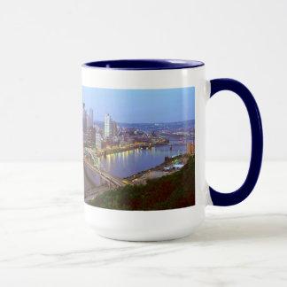 Caneca Skyline de Pittsburgh