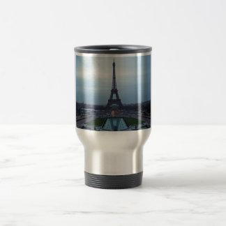 Caneca Térmica Alvorecer da torre Eiffel @