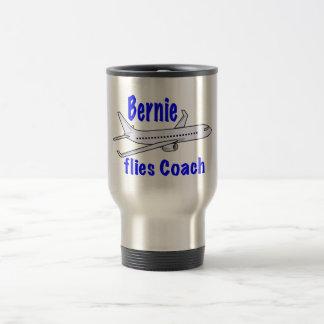 Caneca Térmica Bernie voa o treinador