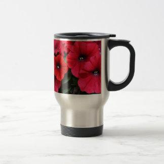 Caneca Térmica Flores vermelhas do petúnia