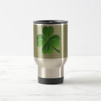 Caneca Térmica Trevo afortunado irlandês na moda elegante