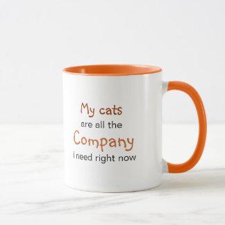 Caneca Tudo que eu preciso é meus gatos: Felines é Bom