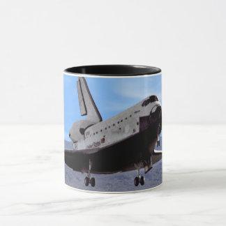 Caneca Vaivém espacial Atlantis da NASA que aterra