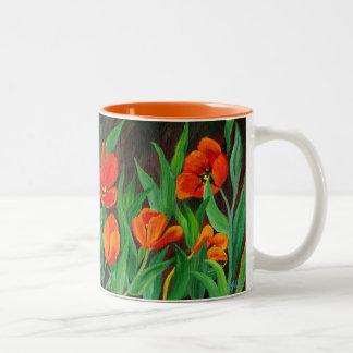 Caneca vermelha das tulipas