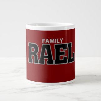 Caneca vermelha de Rael da família