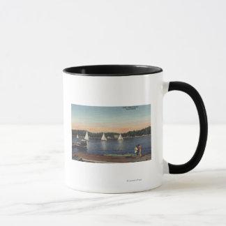 Caneca Vista da doca, do lago, & dos veleiros