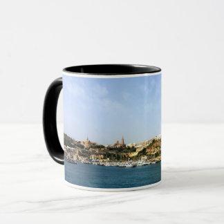 Caneca Vista panorâmica de Mgarr, cidade, Gozo