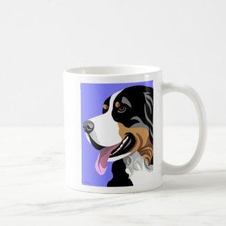 Canecas do cão de montanha de Bernese