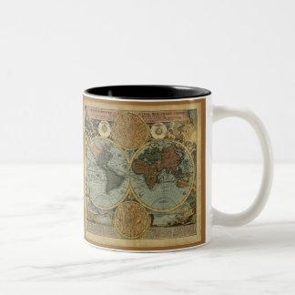 Canecas do mapa de Velho Mundo