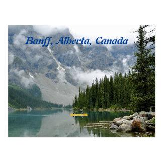 Canoa amarela, Banff, Alberta, Canadá Cartão Postal