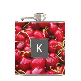 Cantil a cereja vermelha bonito deliciosa frutifica