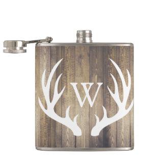 Cantil Antlers de madeira & brancos do celeiro rústico