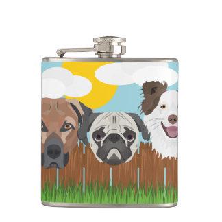 Cantil Cães afortunados da ilustração em uma cerca de